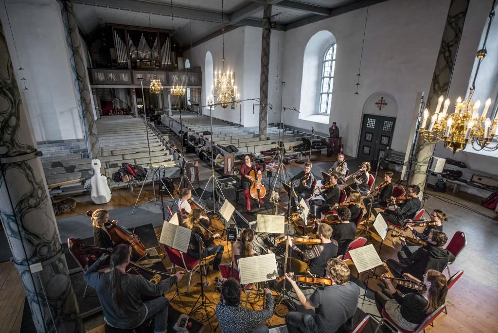 Norway, Selbu, 27-04-2018. Alisa Weilerstein recording Haydn: Cello Concerti and Schoenberg: Verklärte Nacht (Transfigured Night) with the Trondheim Soloists in the church of Selbu in Norway. Photo: Andreas Terlaak